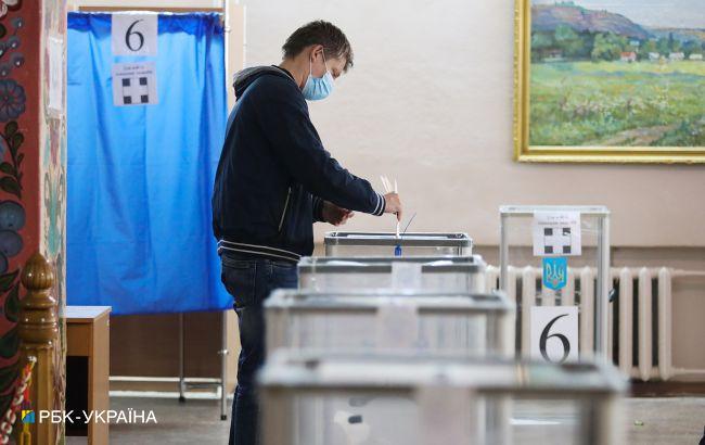 У Сумській області самопроголошена дільниця переманює виборців