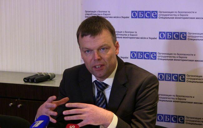 Граждане Донецка сняли навидео «убегающую» миссию ОБСЕ