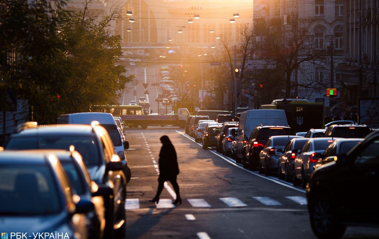 Пешеходов хотят наказывать штрафом до 680 гривен за нарушение ПДД