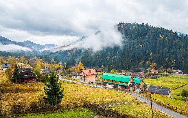 Водопад и горные пейзажи: сколько стоит отдых в одной из самых живописных локаций Карпат