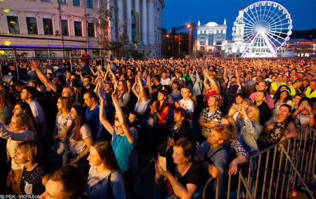 У МОЗ повідомили, коли в Україні можуть дозволити проводити концерти