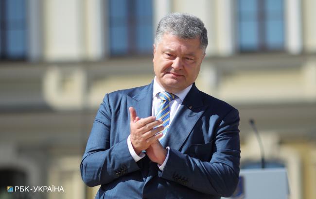 Порошенко поздравил украинцев с Днем национального кино и поблагодарил Сенцова за мужество