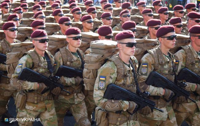 На військову службу у 2018 році прийнято понад 27 тис. контрактників, - Міноборони