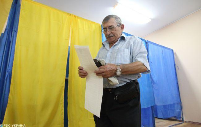 У Києві відкрилися всі дільниці для голосування, вісім - із запізненням