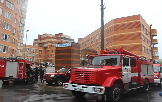 Фото: пожежа в підземному паркінгу в Києві обійшовся без жертв