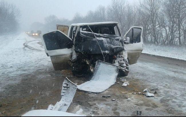 Фото: последствия ДТП в Хмельницкой области (пресс-центр ГСЧС)