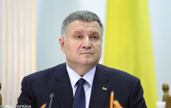 """У """"Слузі народу"""" пояснили, чому Аваков залишається на своїй посаді"""