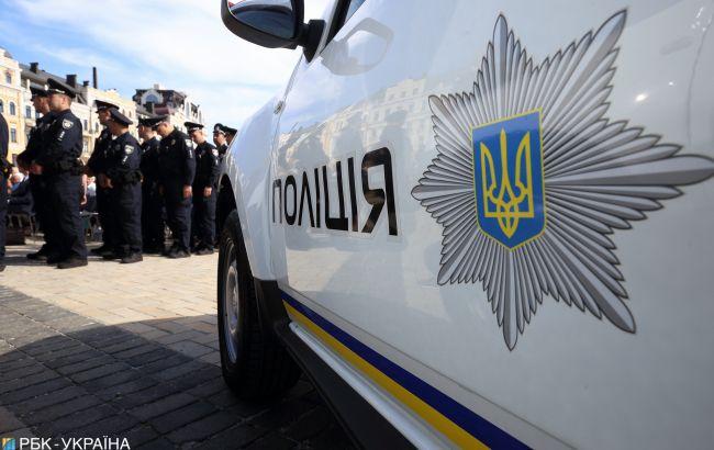 Повалив на лавочку і намагався задушити: у Харкові відпустили неадеквата, який напав на дівчинку