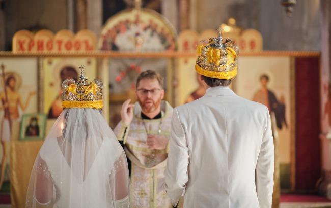 В киевских храмах появятся курсы для молодоженов