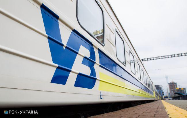 У Львівській області вантажні вагони зійшли з колії: низка потягів затримуються