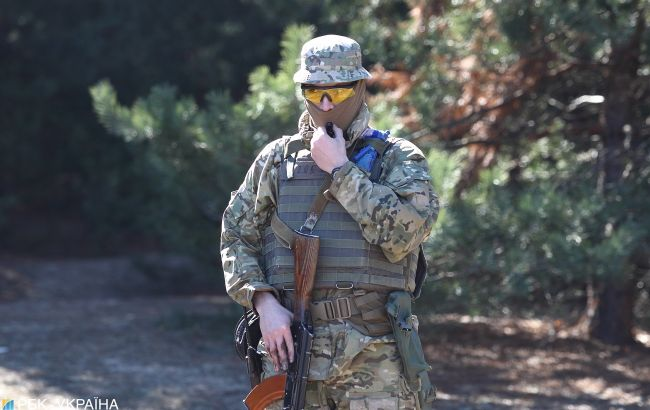 Бойцы ВСУ с поразительной точностью уничтожили позицию боевиков на Донбассе
