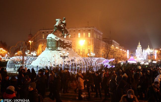 У Києві на Новий рік обмежать рух транспорту і продовжать роботу метро: графік
