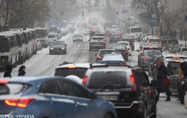 У Києві через снігопад зафіксовано майже 300 ДТП
