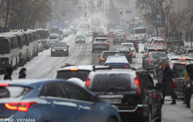 Киев практически остановился в пробках