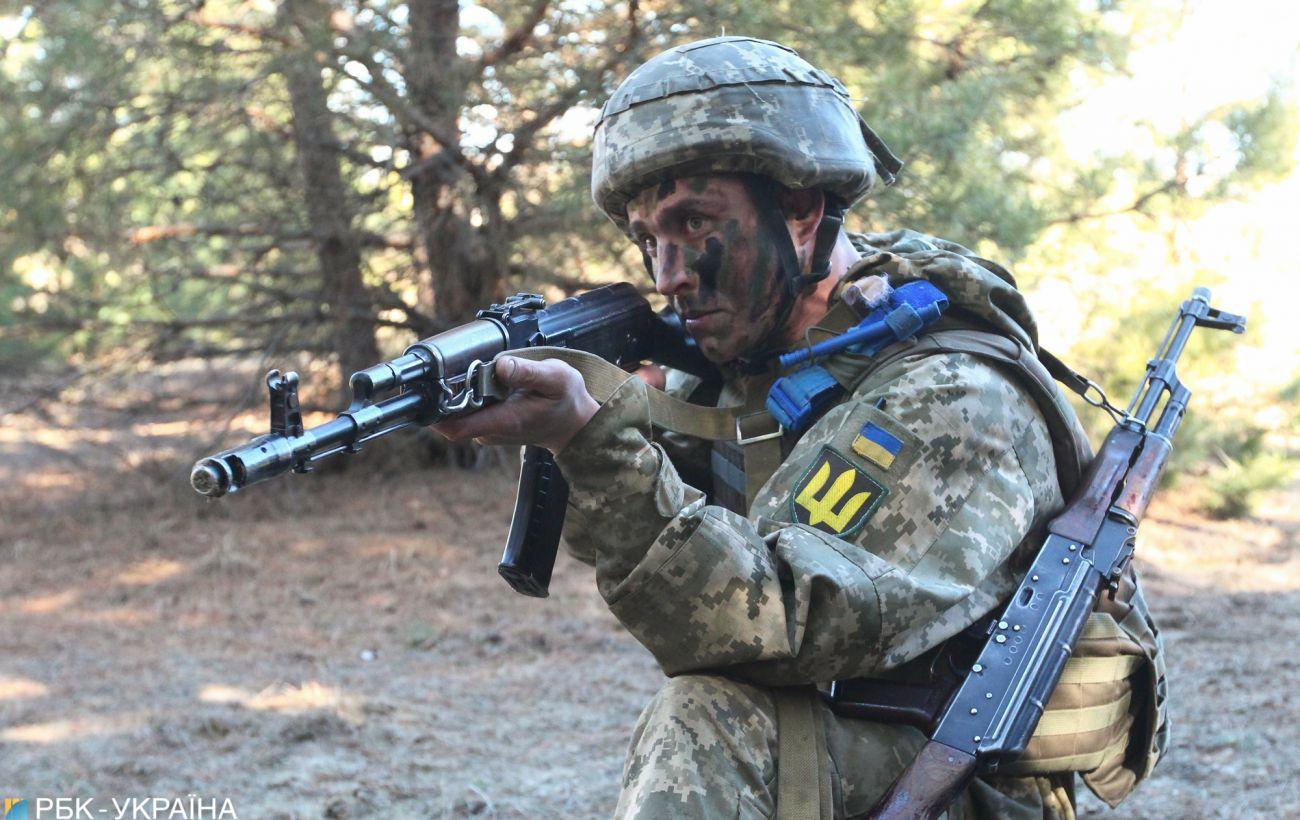 Боевики открывали огонь из стрелкового оружия вблизи Шумов