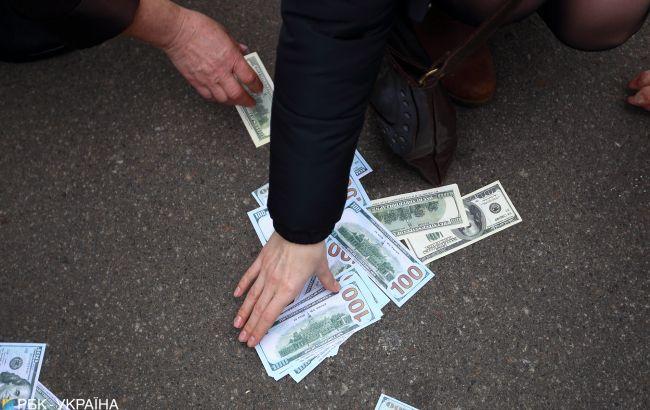 СБУ затримала прокурора на хабарі 10 тис. доларів