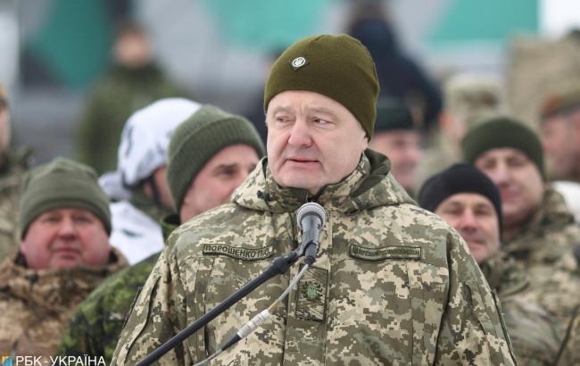 Порошенко: десантники ВСУ передислоцируются на границу с Россией