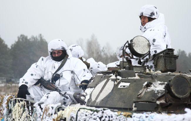 """На Донбасі бойовики 11 разів порушили """"тишу"""", поранений український військовий"""