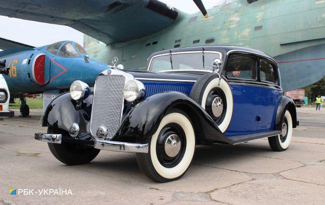 Эффектные 80-летние Mercedes-Benz привезли на фестиваль OldCarLand в Киеве