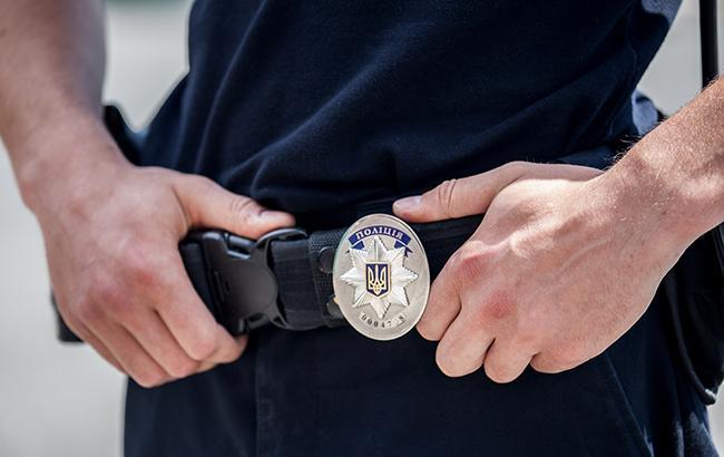Фото: поліція затримала хабарника на гарячому (РБК-Україна)