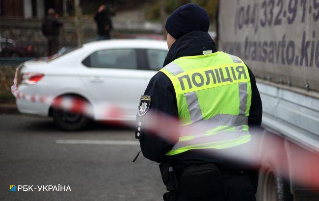 В Киеве перевернулся автомобиль из-за ДТП, пострадали два человека