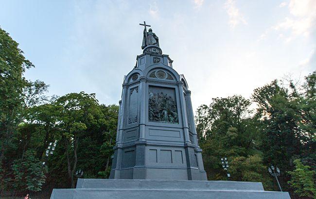 Фото: пам'ятник Володимиру Великому в Києві