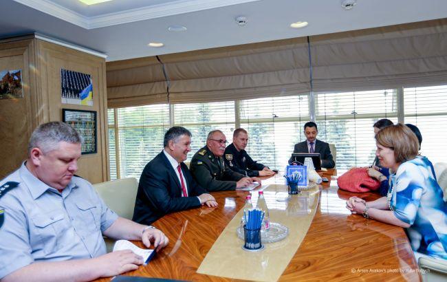 Фото: встреча главы МВД с послами Британии и Испании (mvs.gov.ua)