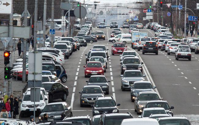 Європарламент посилив норми викиду CO2 для автомобілів