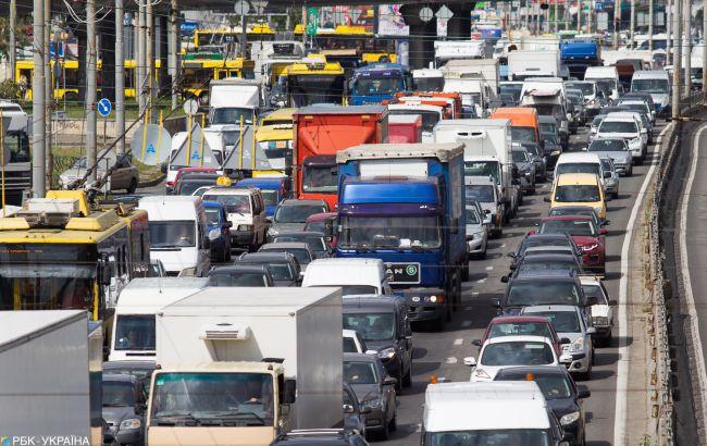 Транспортний колапс: Київ зупинився у заторах