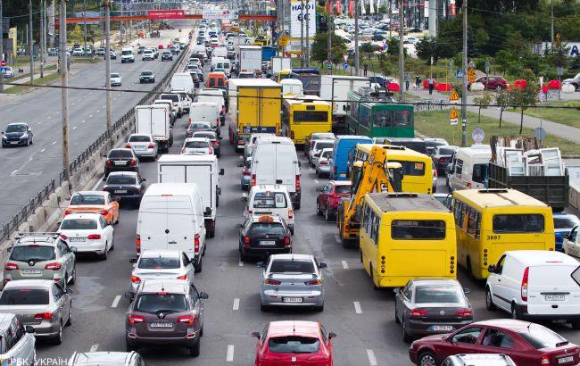 В Киеве произошло масштабное ДТП, которое спровоцировало пробку