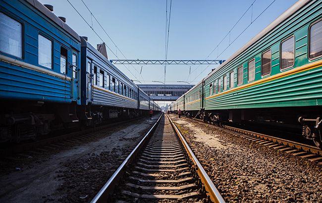 """Із-за вибухів у Калинівці """"Укрзалізниця"""" змінила маршрут 47 поїздів"""