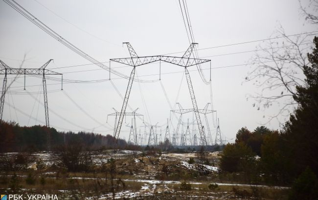 Регулятор запретил импорт электроэнергии из России