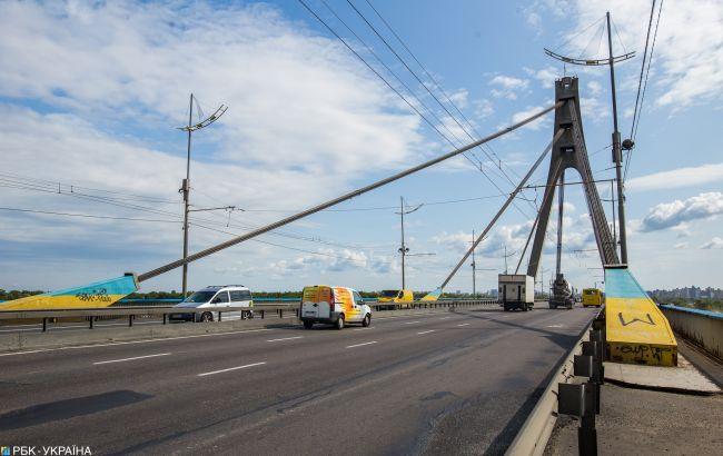На выходных на Северном мосту в Киеве ограничат движение
