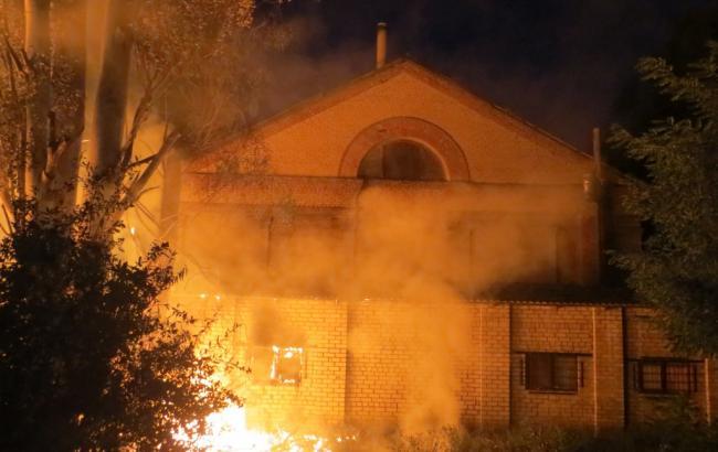 Фото: пожар в волонтерском центре в Запорожье
