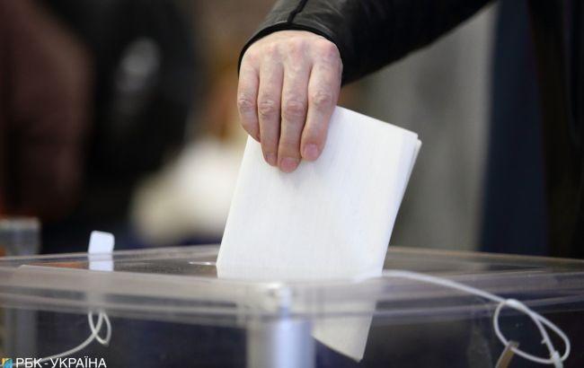 Голосование на внеочередных выборах в Раду стартовало за рубежом