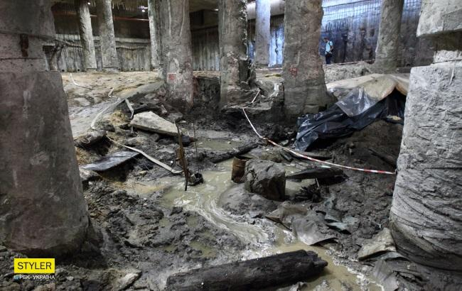 Фото: Раскопки на Почтовой площади (РБК-Украина/Виталий Носач)