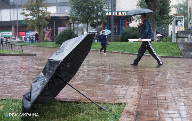 Дожди и грозовой фронт: синоптики уточнили прогноз погоды на воскресенье