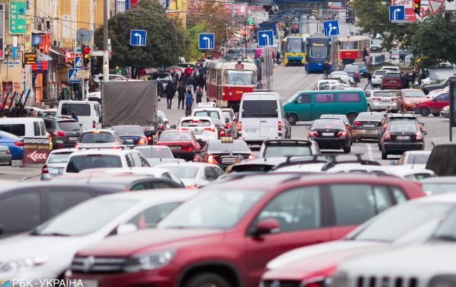 У Києві на дорогах утворилися затори