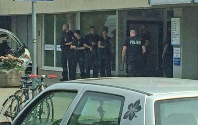 Фото: после нападения в больнице Берлина скончался врач
