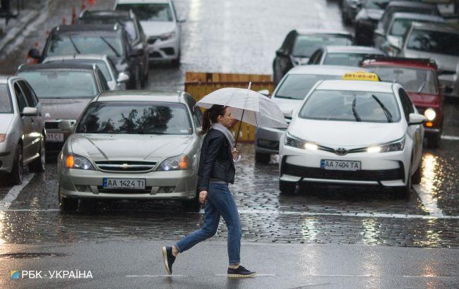 У Києві оголосили підвищений рівень аварійності з-за дощів