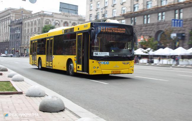 Фото: автобус в Киеве (РБК-Украина)