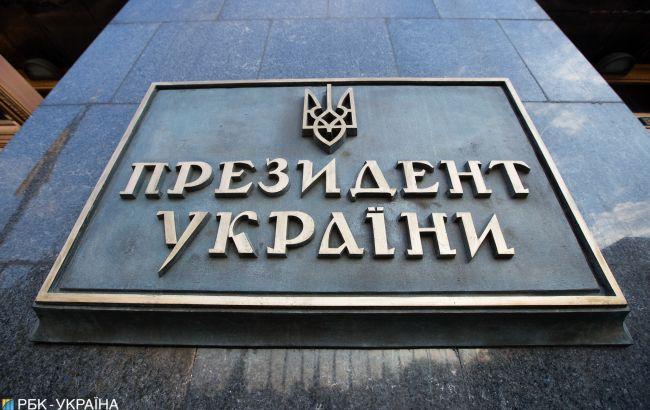 Первыми шагами Зеленского довольны почти 50% украинцев