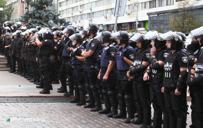 Поліцейських зобов'язали платити аліменти з усіх доходів