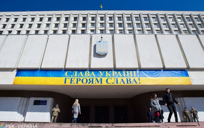 """В ЦВК пояснили механізм фінансування дебатів на """"Суспільному"""""""