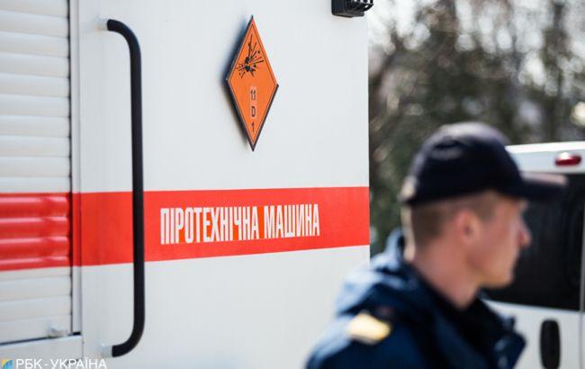В Харькове мужчина угрожает полицейским взорвать гранату