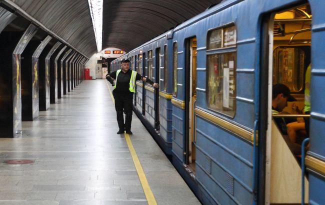 """КМДА в понеділок вирішить, як буде працювати метро в """"червоній"""" зоні"""