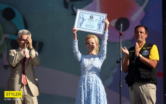 В Киеве дети установили новый танцевальный рекорд: яркие фото