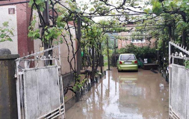 На западе Украины затоплены сотни домов
