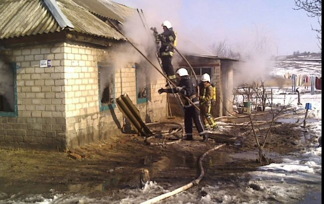 В Кировоградской области на пожаре жилого дома погибли 3 ребенка