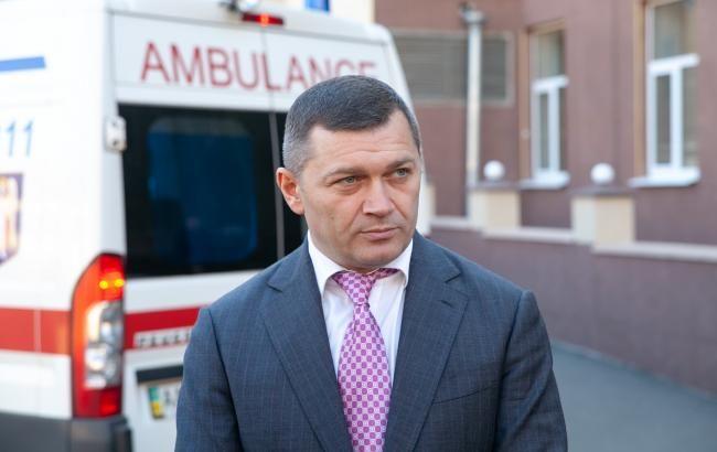 В Киеве бригады медиков начали тестировать жителей дома